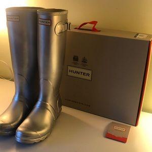 Hunter sliver rain boots